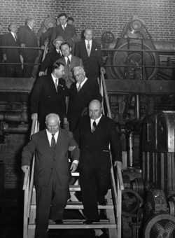 Nikita Khrushchev, First Secretary of the Communist Party of the Soviet Union, and Juuso Walden at Kaipola mill in June 1957.