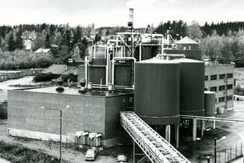 Newly completed Pekilo plant in 1980. Photo Pauli Nevalainen.