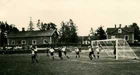 Works football. Championship match on Jämsänkoski mill pitch in 1945.