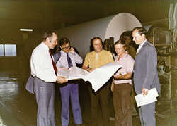 In May 1975 Kaipola was the first mill in the world to make 45 gsm lightweight printing paper totally without cellulose. From the left: Per-Erik Ohls, Ahti Syrjänen, Pertti Ruusu, Reima Kortelainen and Niilo Hakkarainen.